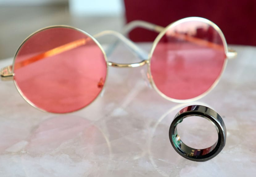 oura ring with pink glasses