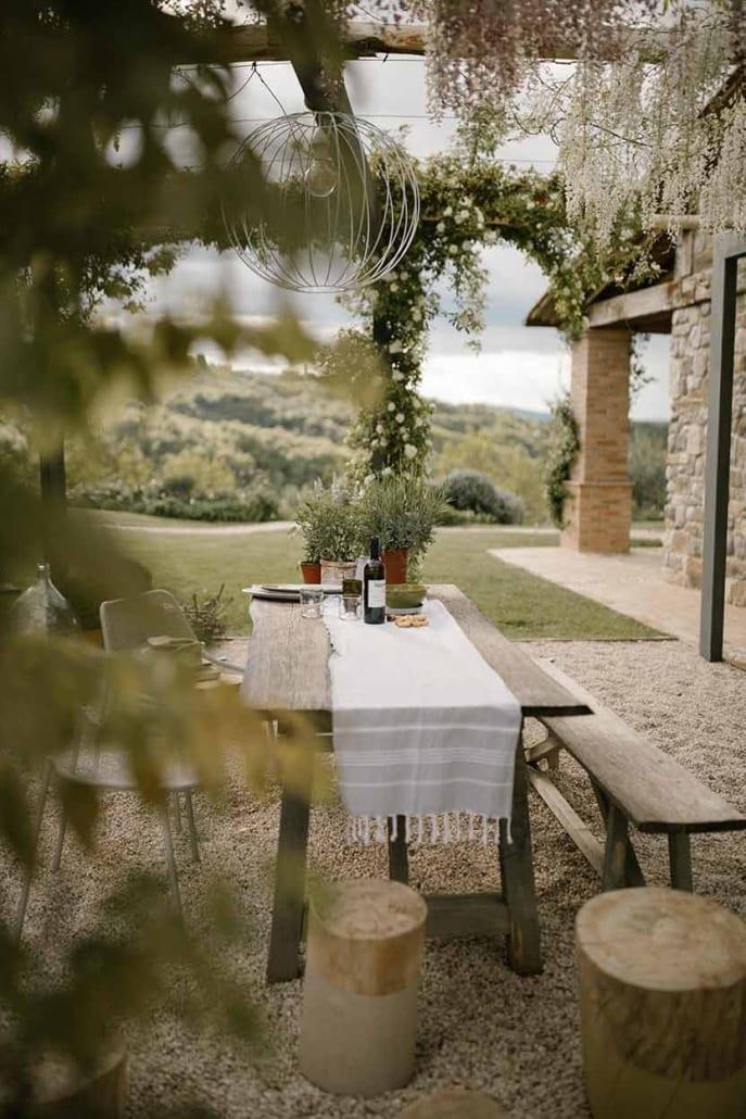 Wisteria and wine, la segreta terrace